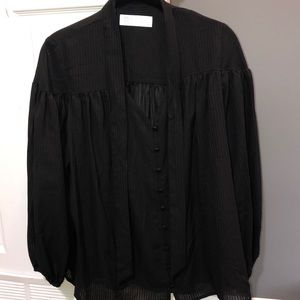 NWT gorgeous flowy blouse with tie neck!